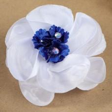 Бант для девочек с резинкой Василёк белый с синим цветком, 7 см