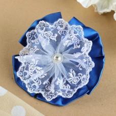 Бант для девочек с резинкой Винтаж синий, с белым кружевом, 12 см