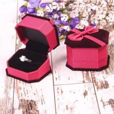 Футляр под кольцо с бантом, цвет розовый, вставка черная