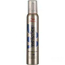 Мусс для укладки волос Wellaflex (Веллафлекс) Объем до 2-х дней №4, 200 мл
